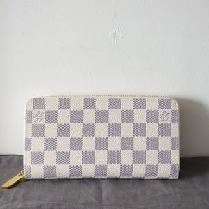 Louis Vuitton Zippy Wallet White